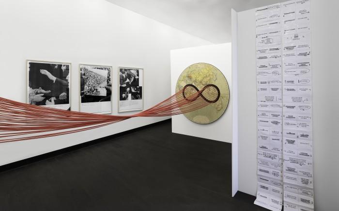 """Installationsansicht """"Die Gabe"""" (Teil I), Galerie der DG, Foto: Richard Beer"""