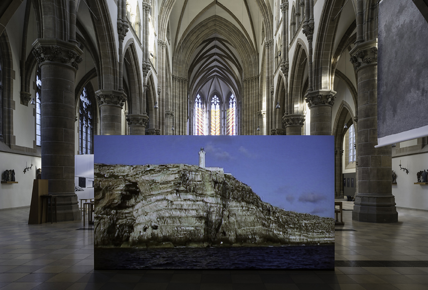 Sven Johne, Umrundung der Insel Lampedusa, 2014, Video, Installation St. Paul, Foto: Richard Beer