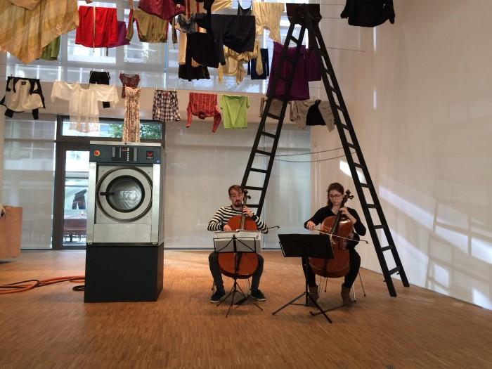 EMPFANGSHALLE, Waschgang, 2017, Installationsansicht, Konzert in der Galerie, Foto: Galerie der DG, (c) VG Bild-Kunst Bonn, 2017