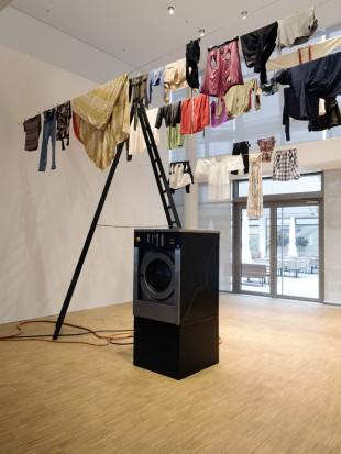 EMPFANGSHALLE 'WÄSCHE', 2017, Installationsansicht, Foto: Gerald von Foris (c) VG Bild-Kunst Bonn, 2017